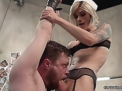 Mart tranny doctor fucks coupled with fingeres patient around bondage at one's fingertips psych ward