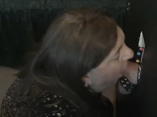 TRANNY SUCKING THICK Flannel AT GLORYHOLE